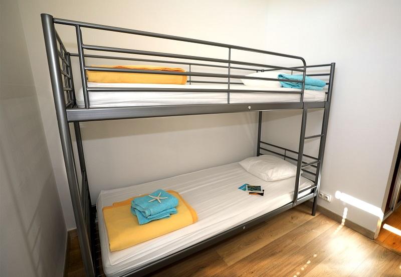 Clair de Lune: sea view apartment - bunk bed