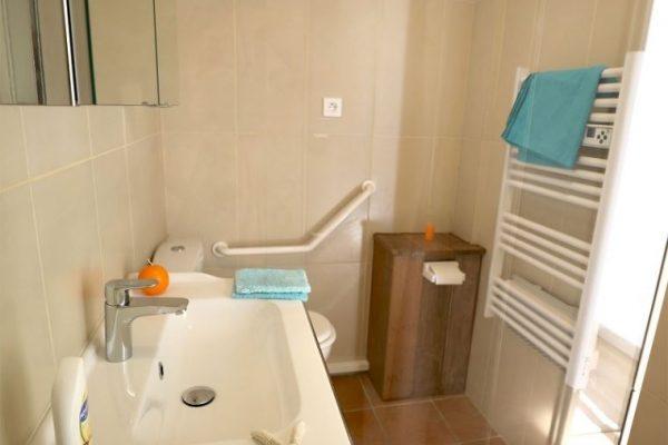 Clair De Lune : appartement vue sur mer - salle de bain