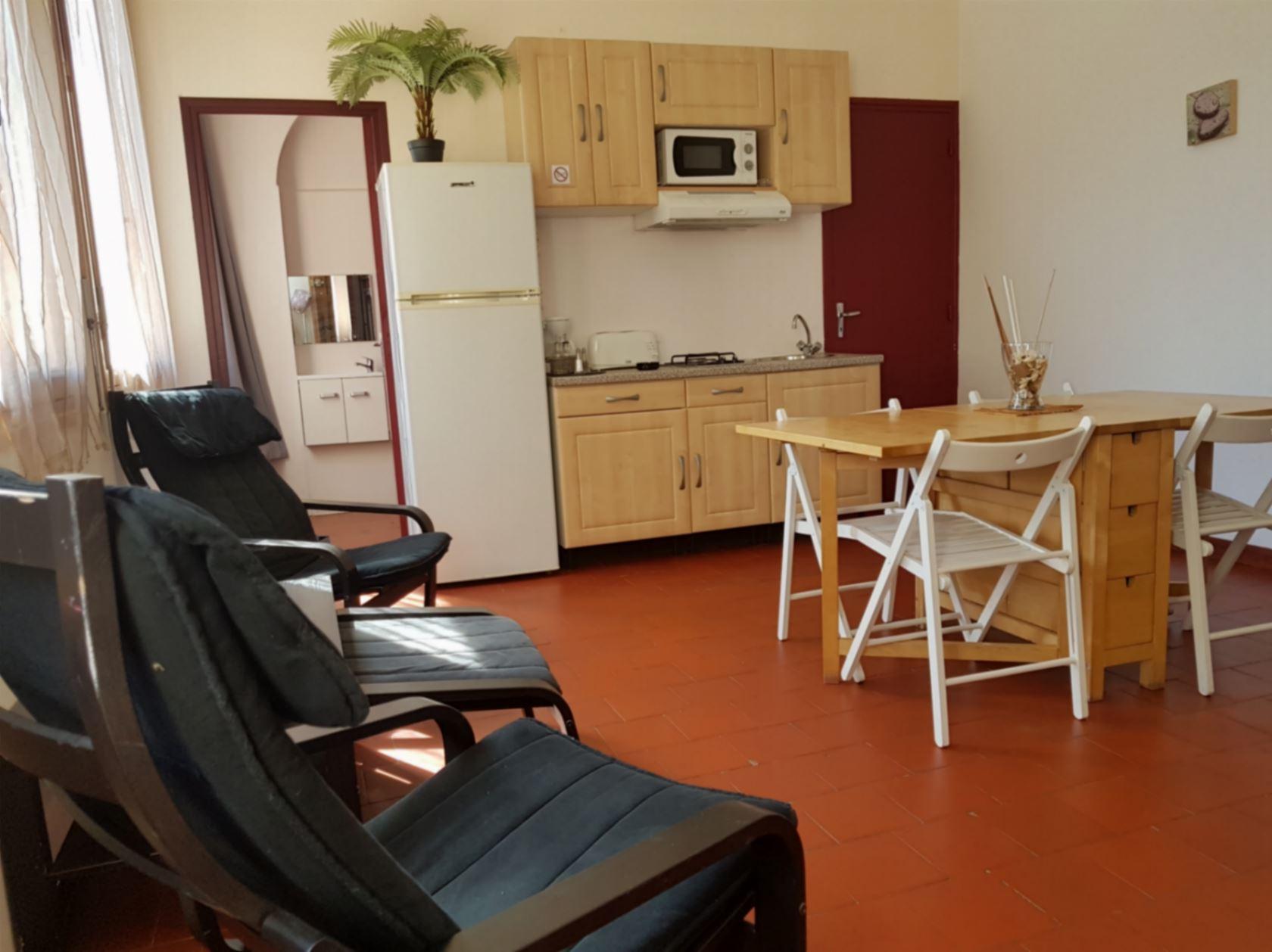 Clair De Lune: Apartment Serenity - Küche