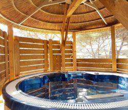 Clair De Lune: provence sérénité spa - vasca idromassaggio