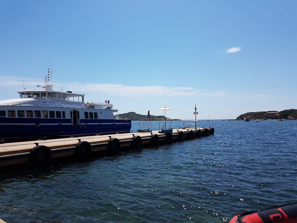 Clair De Lune : Port De La Tourfondue Giens Camping Hyeres