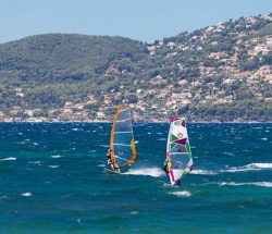 Clair De Lune : Act Img Spinout Windsurf3 Camping International 620x500