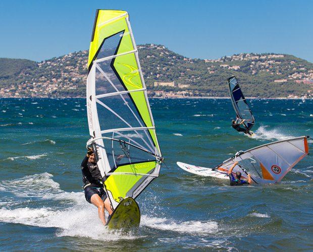 Clair De Lune: Wassersport Windsurfen 620x500