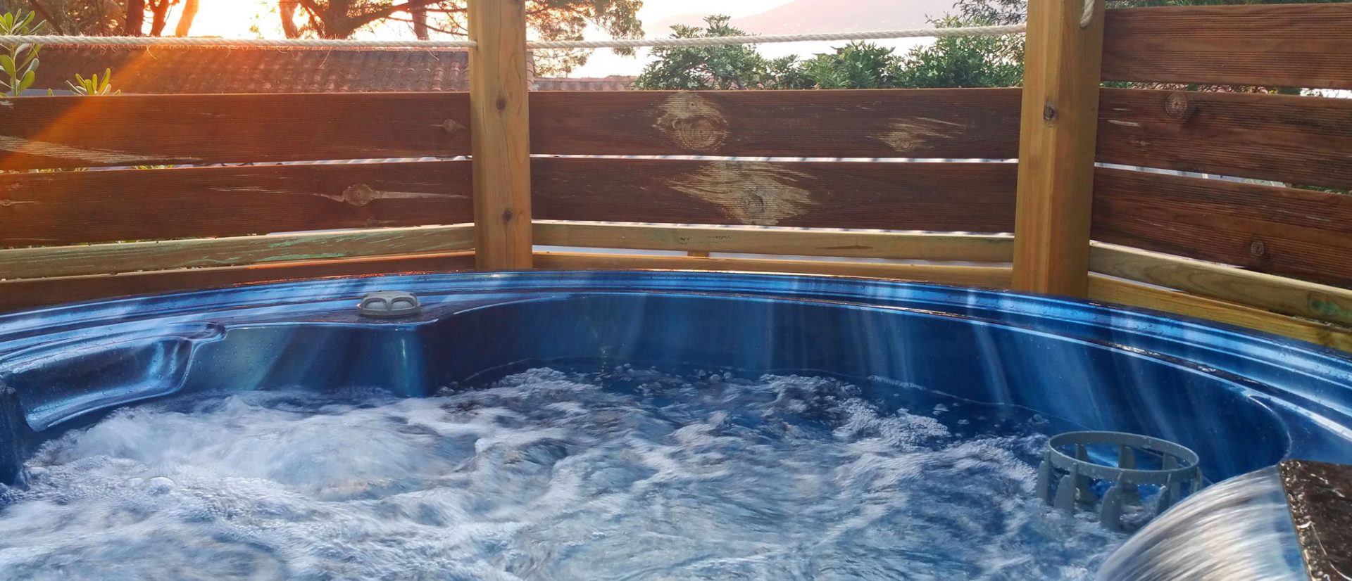 Clair De Lune : Mobil Home Spa Jacuzzi Vuemer Giens Camping Clairdelune