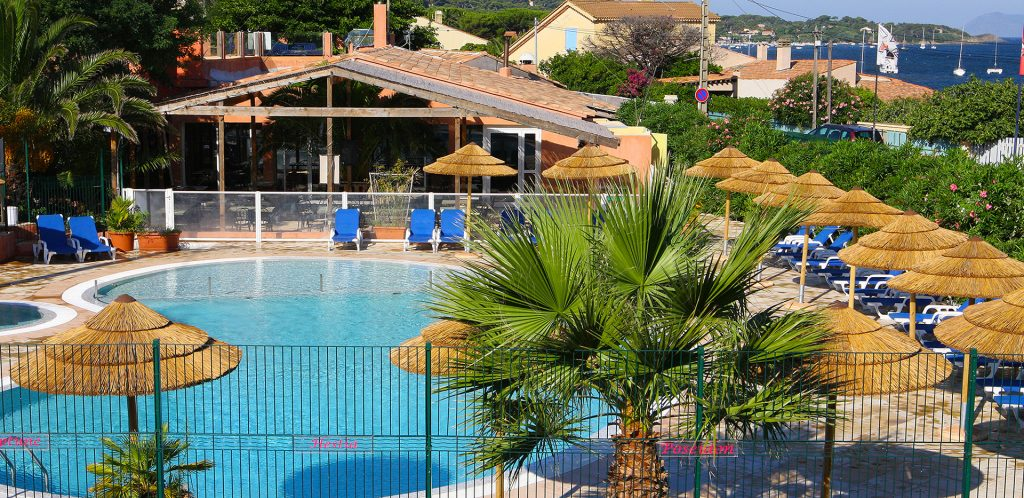 Clair De Lune : Piscine Chauffee Camping International Hyeres