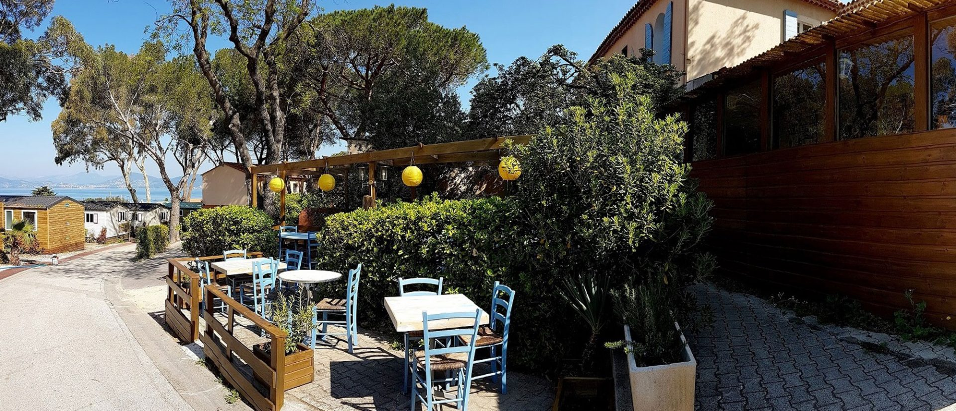Clair De Lune : Restaurant Camping Vue Mer Clairdelune Giens Hyeres Terrasse